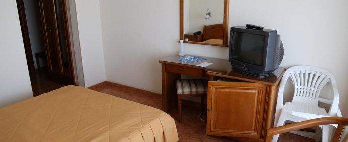Hotel COMANDOR 4* - Mamaia, Romania. - Photo 2