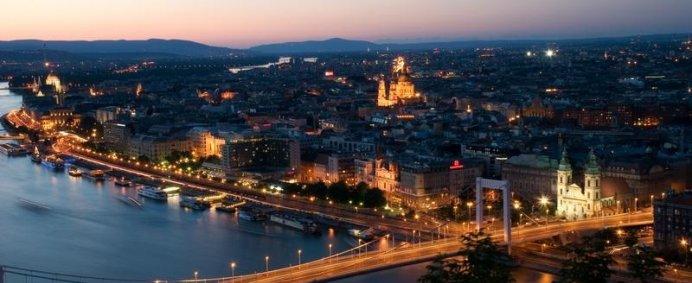 5 capitale europene intr-un singur circuit - de la 155 EURO/ pers. - Photo 2