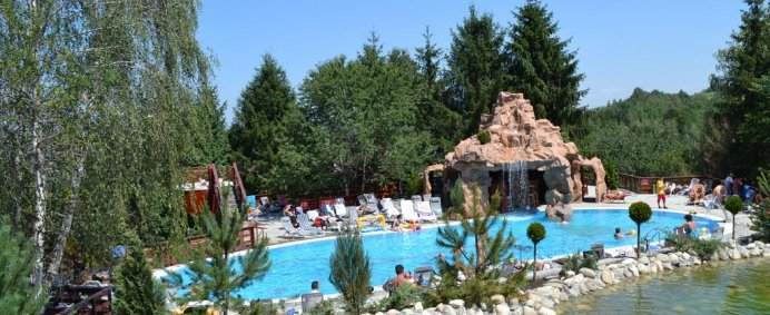 Petrece de 1 Mai 2018 la CLUB Vila BRAN 3* - Bran, Romania ! - Photo 1