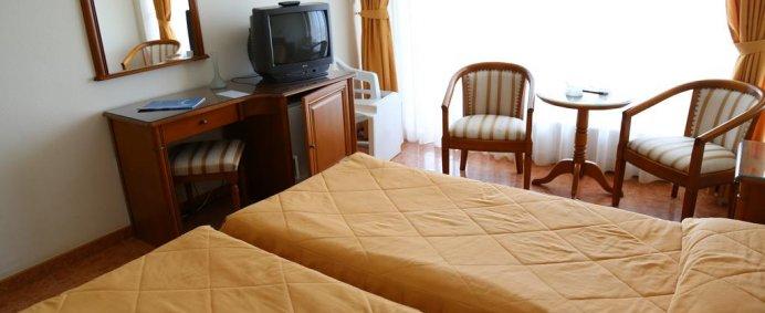 Petrece de 1 Mai 2018 la Hotel COMANDOR 4* - Mamaia, Romania ! - Photo 9