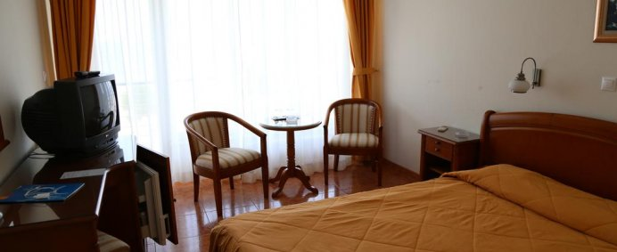 Petrece de 1 Mai 2018 la Hotel COMANDOR 4* - Mamaia, Romania ! - Photo 11