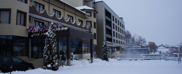 REVELION 2021 la Hotel PRESIDENT 4* - Baile Felix, Romania. - Photo 1